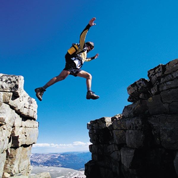 salto acrobatico scalatore alpe di Siusi