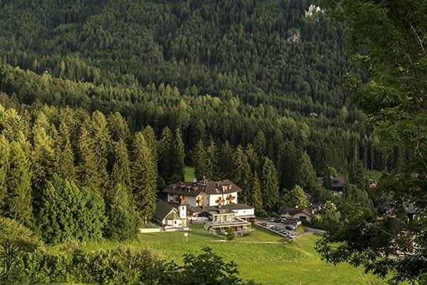 vista panoramica hotel villamadonna foresta sciliar siusi